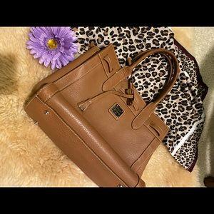 Dooney & Bourke tan handbag pebble leather